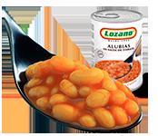 alubias-salsa-tomate-cuchara-plato-preparado